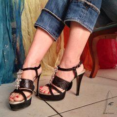 Sujeción independiente para sandalias